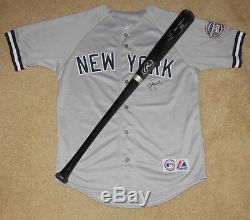 2009 New York Yankees Autographed Bat & Jersey (world Series Champs!) Lot